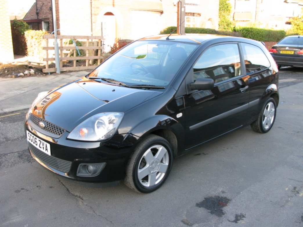Ford Fiesta 1.25 2006 photo - 2
