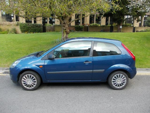Ford Fiesta 1.25 2006 photo - 3