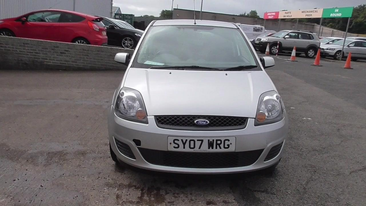 Ford Fiesta 1.25 2007 photo - 12