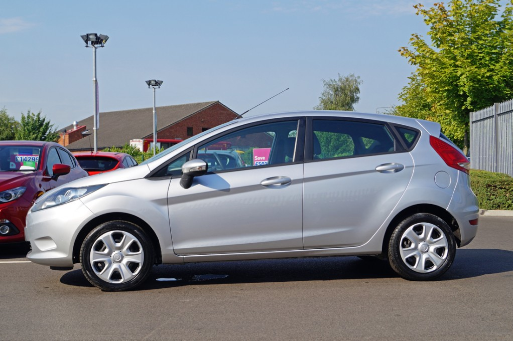 Ford Fiesta 1.25 2008 photo - 4