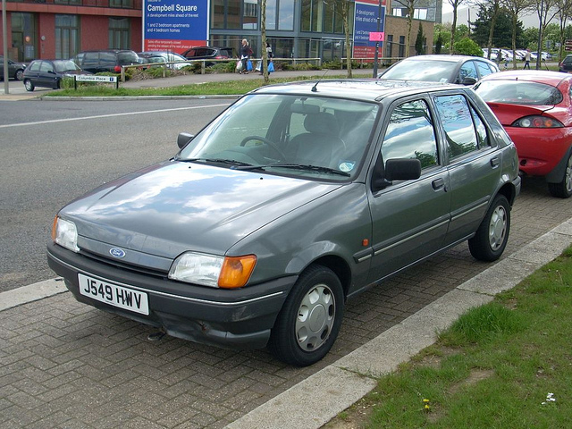 Ford Fiesta 1.3 1992 photo - 1