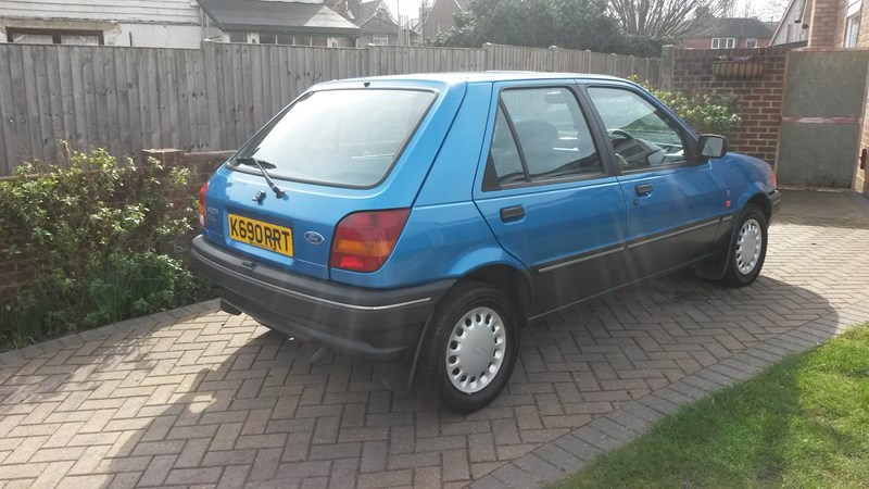 Ford Fiesta 1.3 1992 photo - 4
