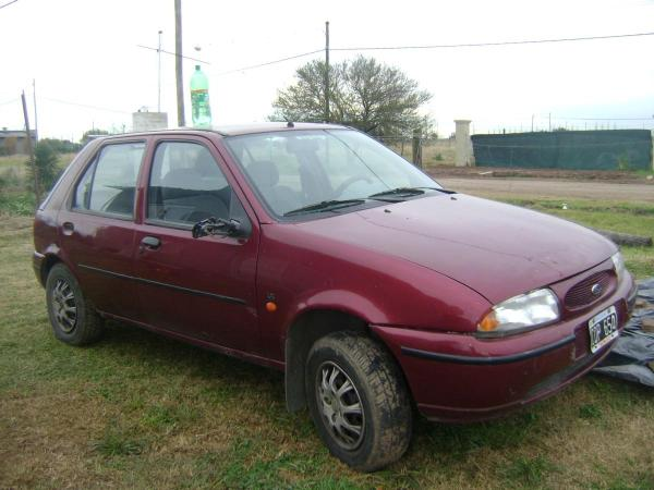 Ford Fiesta 1.3 1998 photo - 7