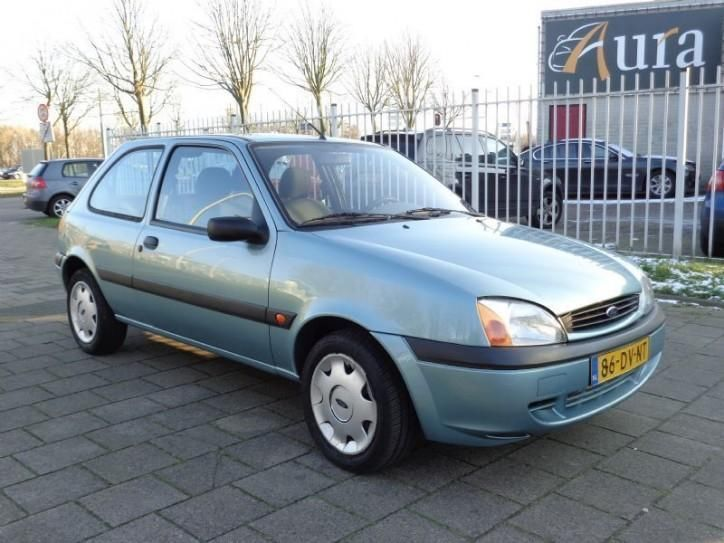 Ford Fiesta 1.3 2000 photo - 8