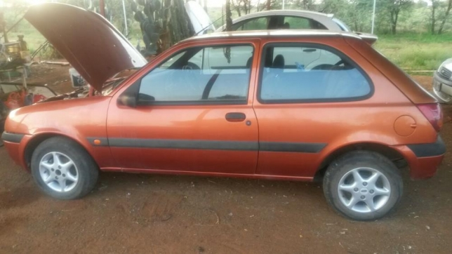 Ford Fiesta 1.3 2003 photo - 9