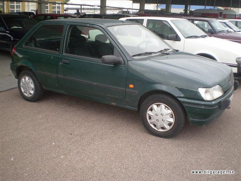 Ford Fiesta 1.3i 1994 photo - 10