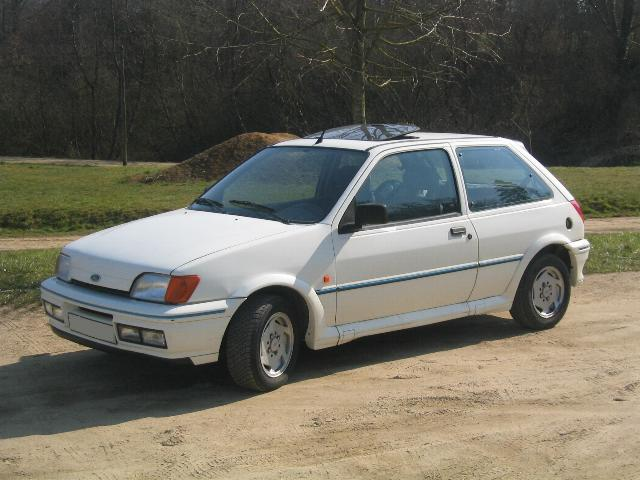 Ford Fiesta 1.4 1990 photo - 2
