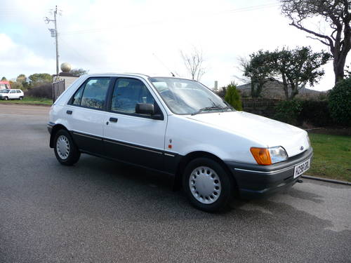 Ford Fiesta 1.4 1991 photo - 3