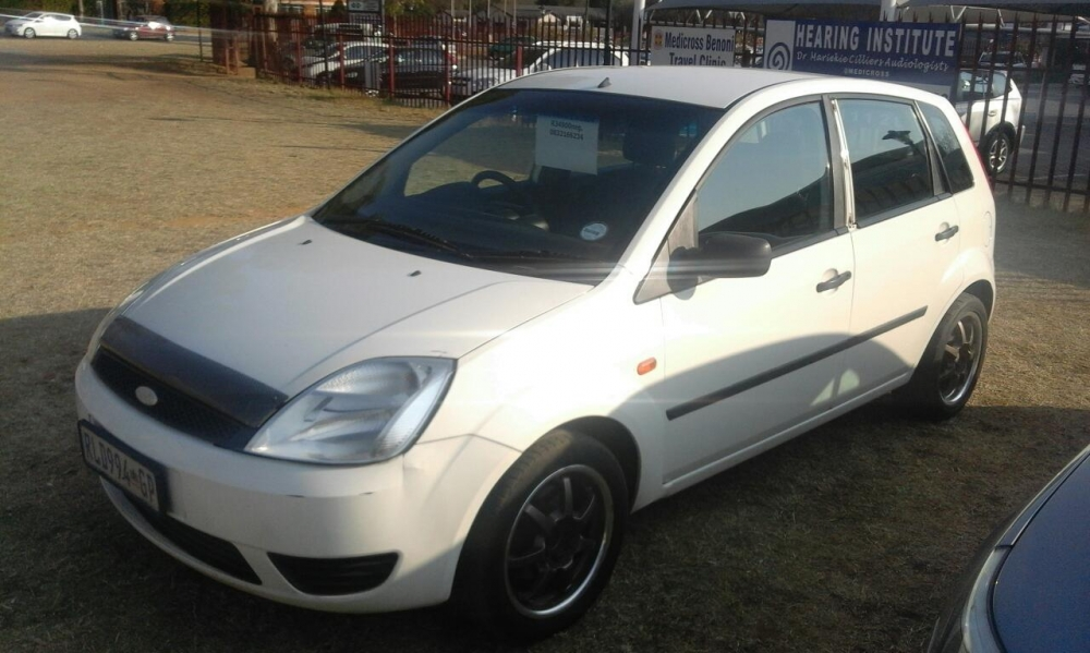 Ford Fiesta 1.4 2004 photo - 11