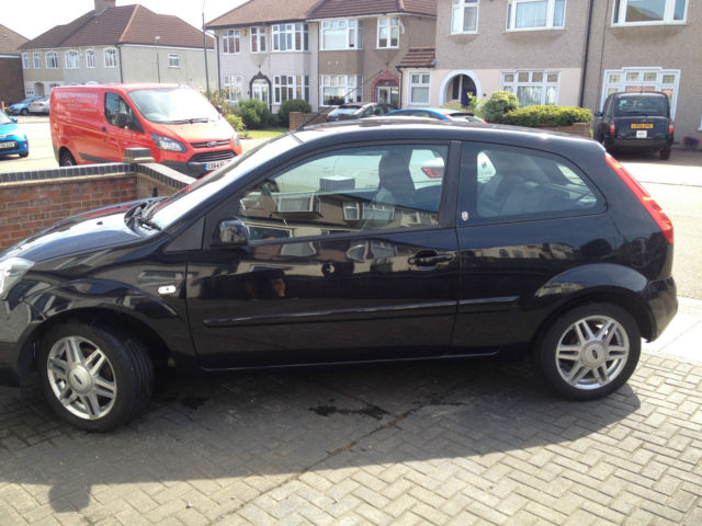 Ford Fiesta 1.4 2006 photo - 10