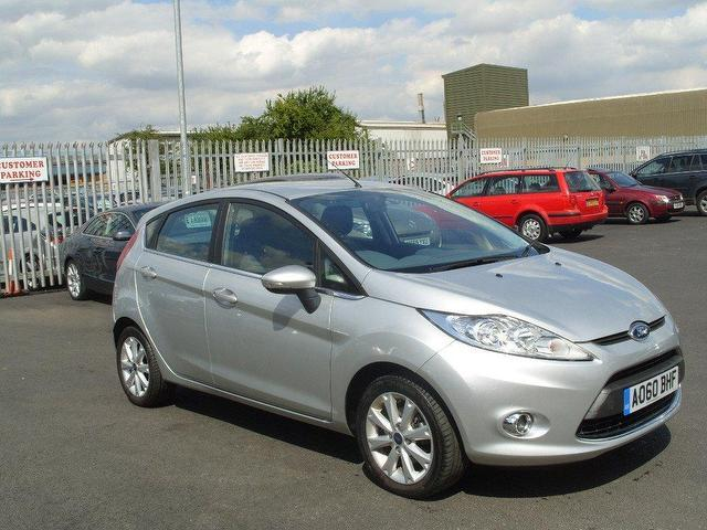 Ford Fiesta 1.4 2010 photo - 8