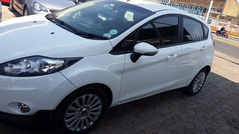 Ford Fiesta 1.4 2012 photo - 1