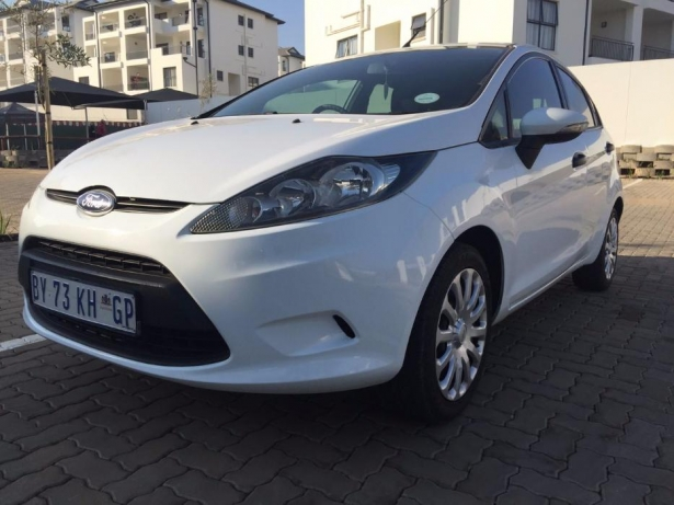 Ford Fiesta 1.4 2012 photo - 7