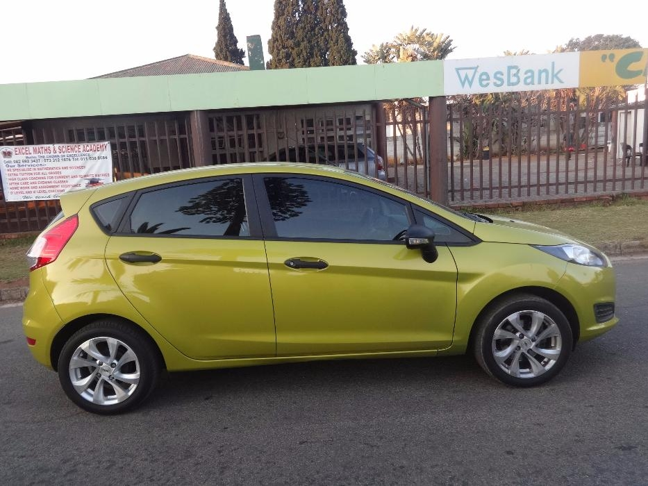 Ford Fiesta 1.4 2014 photo - 11