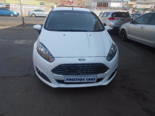 Ford Fiesta 1.4 2014 photo - 12