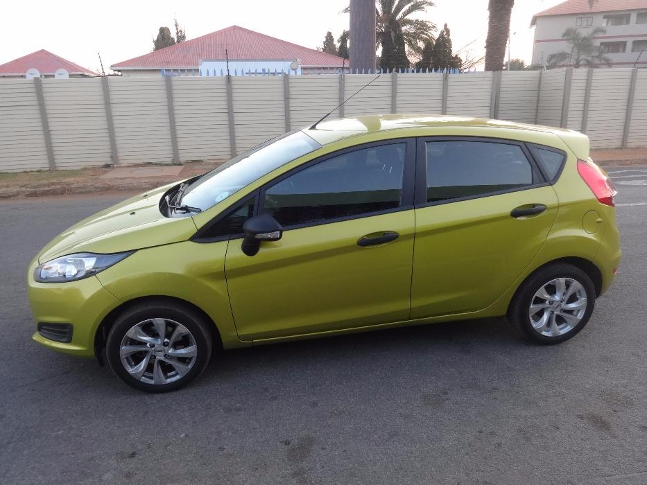 Ford Fiesta 1.4 2014 photo - 2