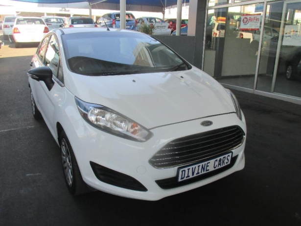 Ford Fiesta 1.4 2014 photo - 4