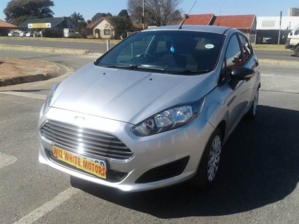 Ford Fiesta 1.4 2014 photo - 5