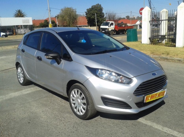 Ford Fiesta 1.4 2014 photo - 6