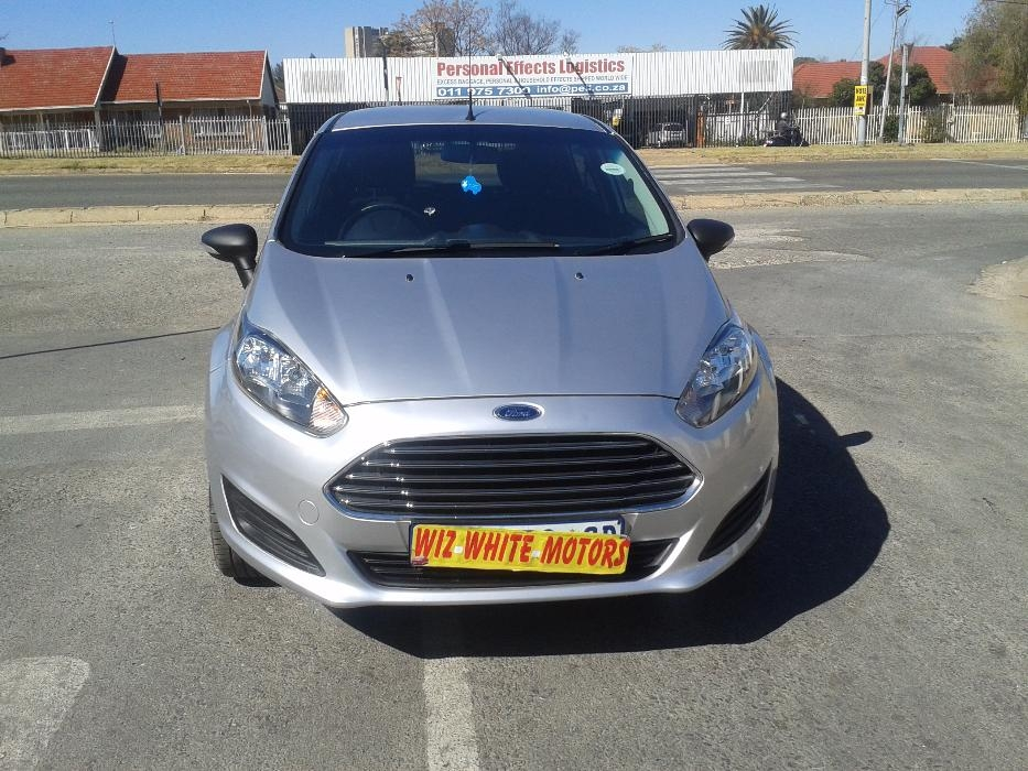 Ford Fiesta 1.4 2014 photo - 7