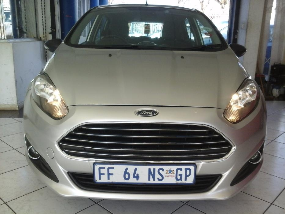 Ford Fiesta 1.4 2014 photo - 9