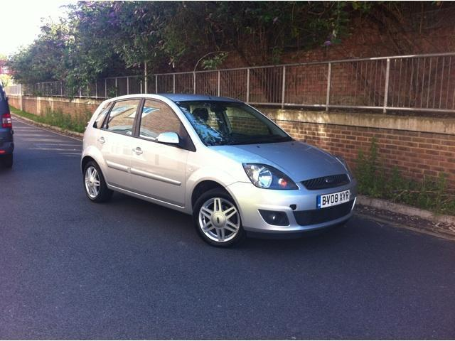 Ford Fiesta 1.4TDCi 2008 photo - 11