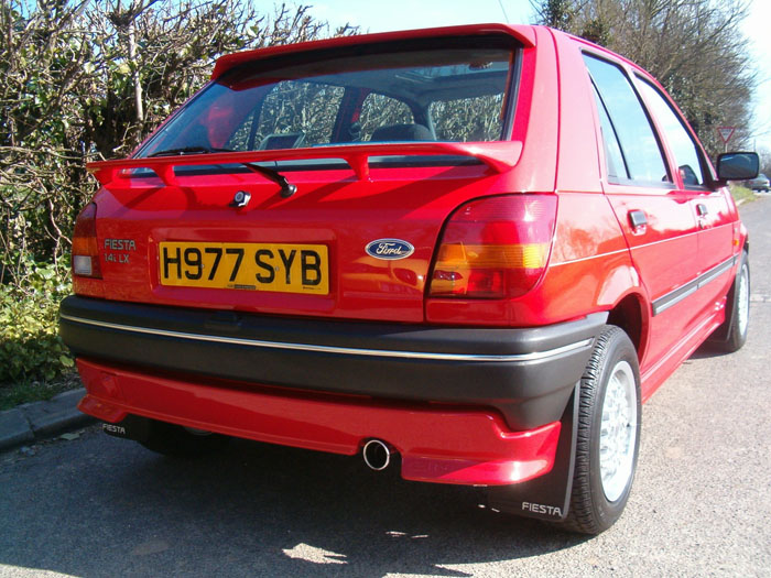 Ford Fiesta 1.4i 1990 photo - 1
