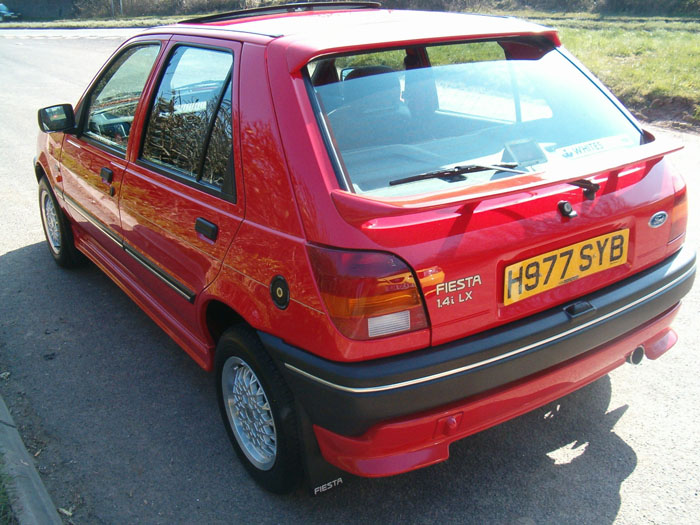 Ford Fiesta 1.4i 1990 photo - 3