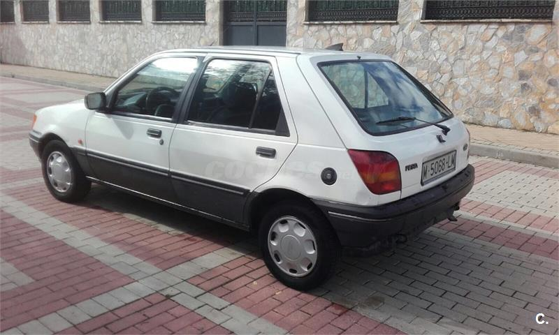 Ford Fiesta 1.4i 1996 photo - 12