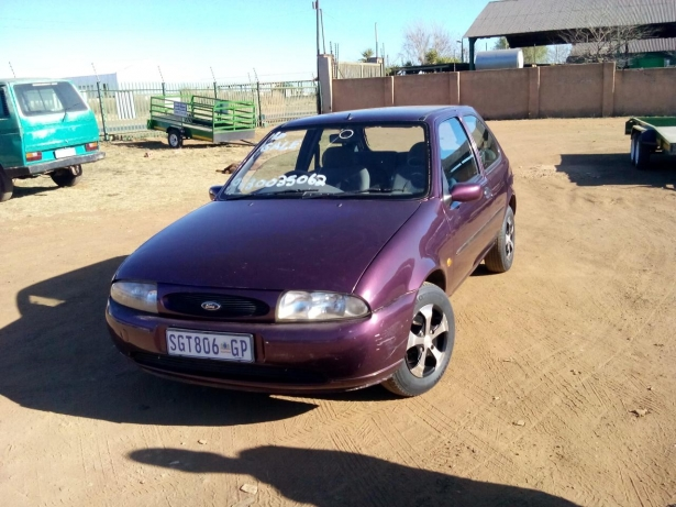 Ford Fiesta 1.4i 1996 photo - 9