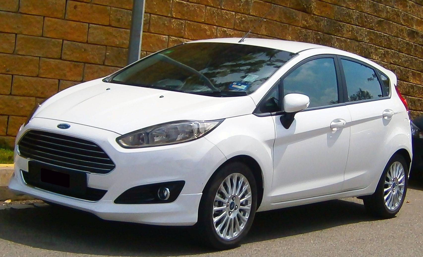 Ford Fiesta 1.5 2013 photo - 1