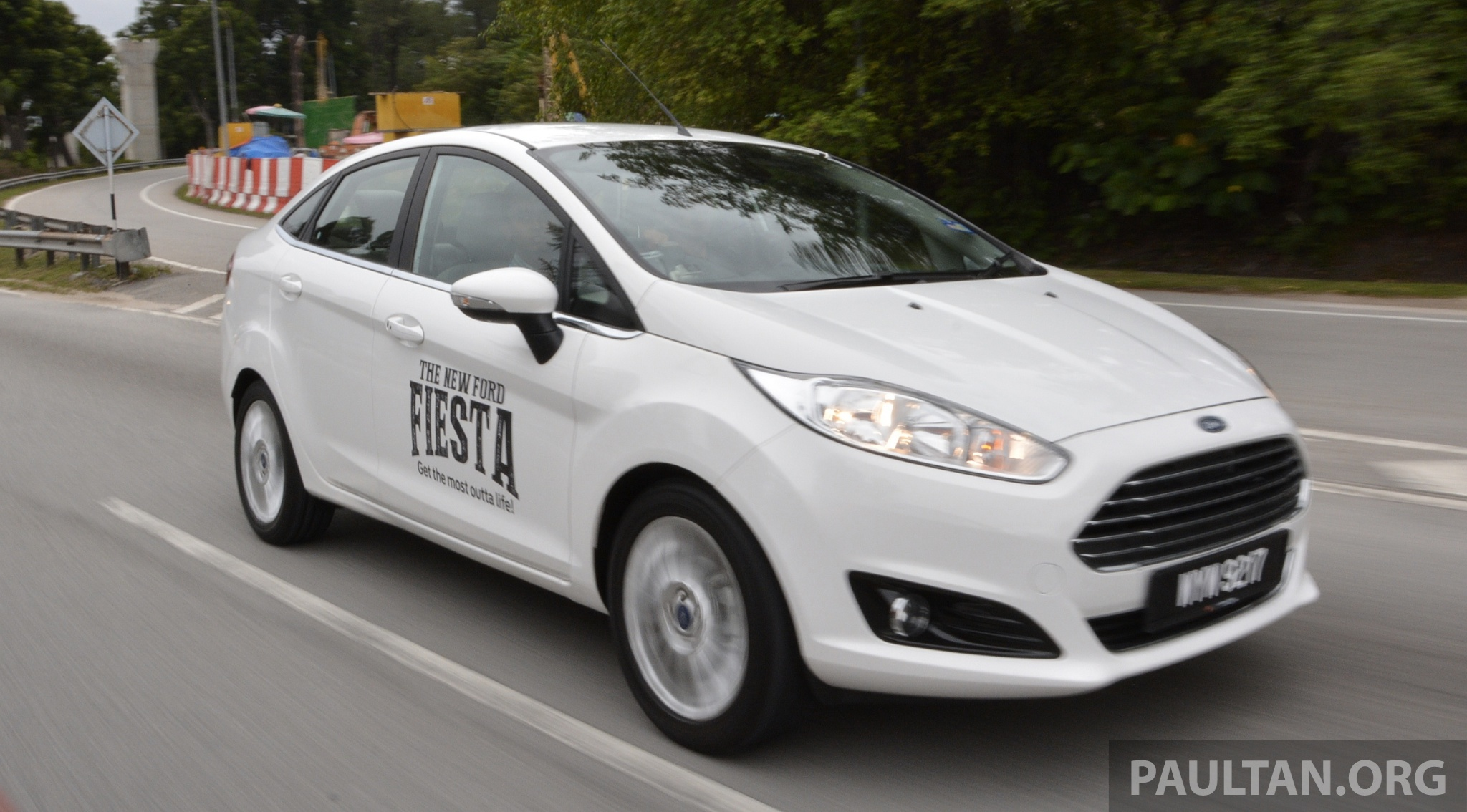 Ford Fiesta 1.5 2013 photo - 8