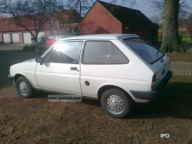 Ford Fiesta 1.6 1985 photo - 11