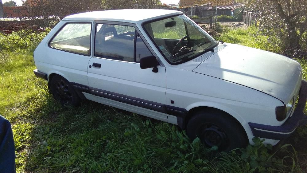 Ford Fiesta 1.6 1988 photo - 10