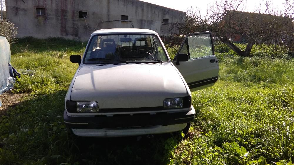 Ford Fiesta 1.6 1988 photo - 11