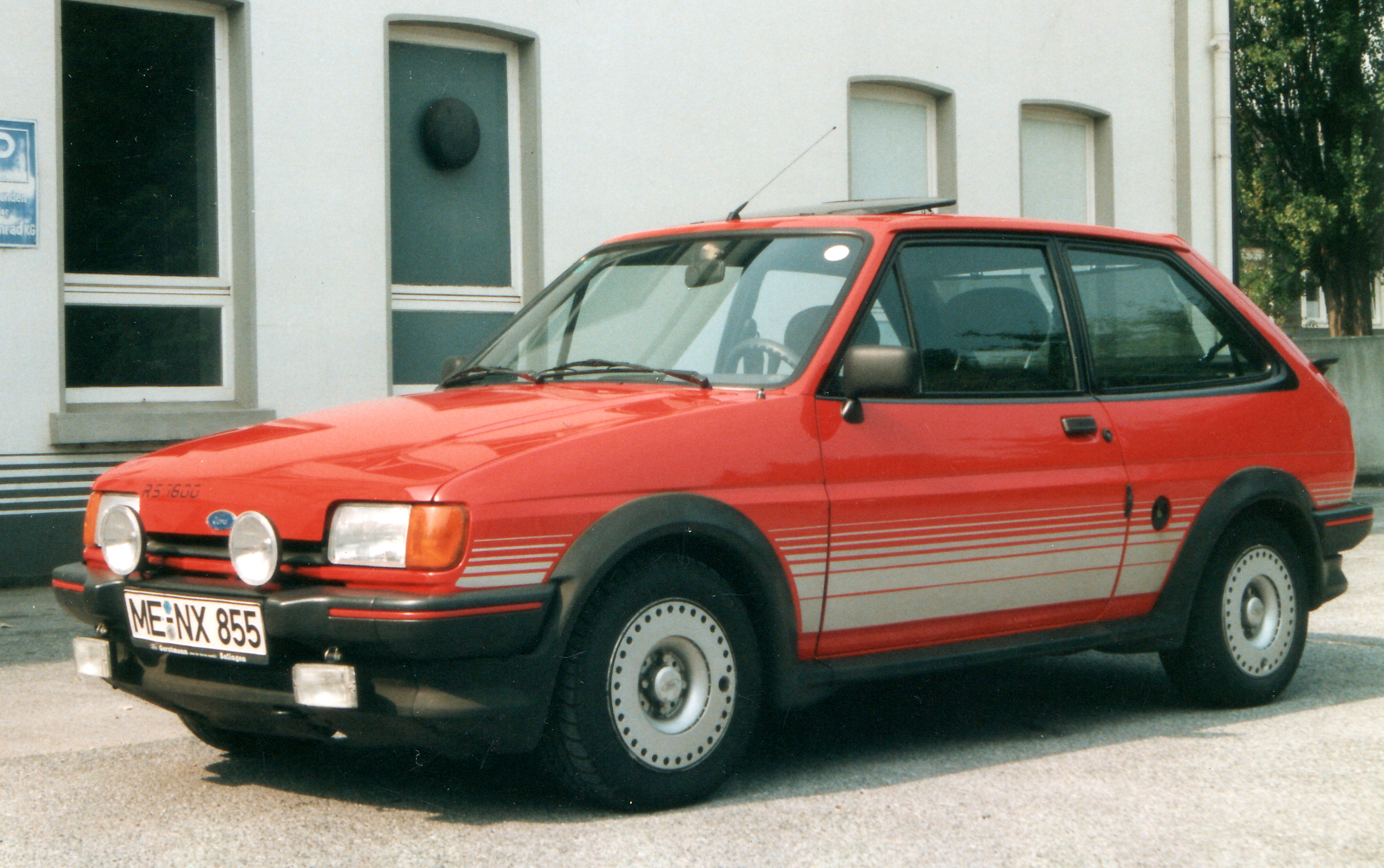 Ford Fiesta 1.6 1988 photo - 7