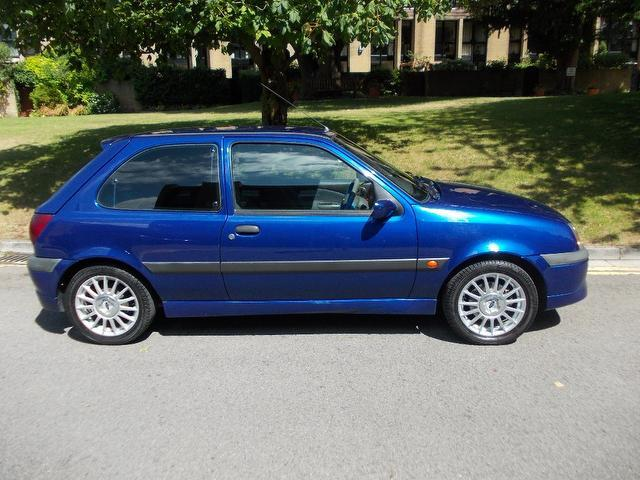 Ford Fiesta 1.6 2000 photo - 3