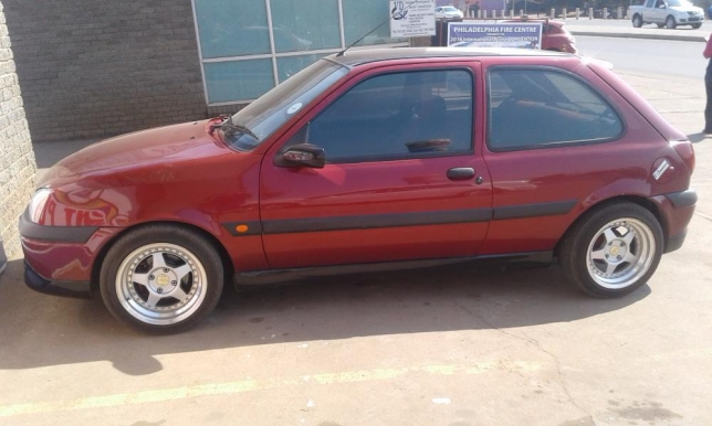 Ford Fiesta 1.6 2002 photo - 4
