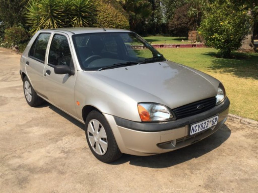 Ford Fiesta 1.6 2002 photo - 8