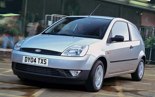 Ford Fiesta 1.6 2004 photo - 1