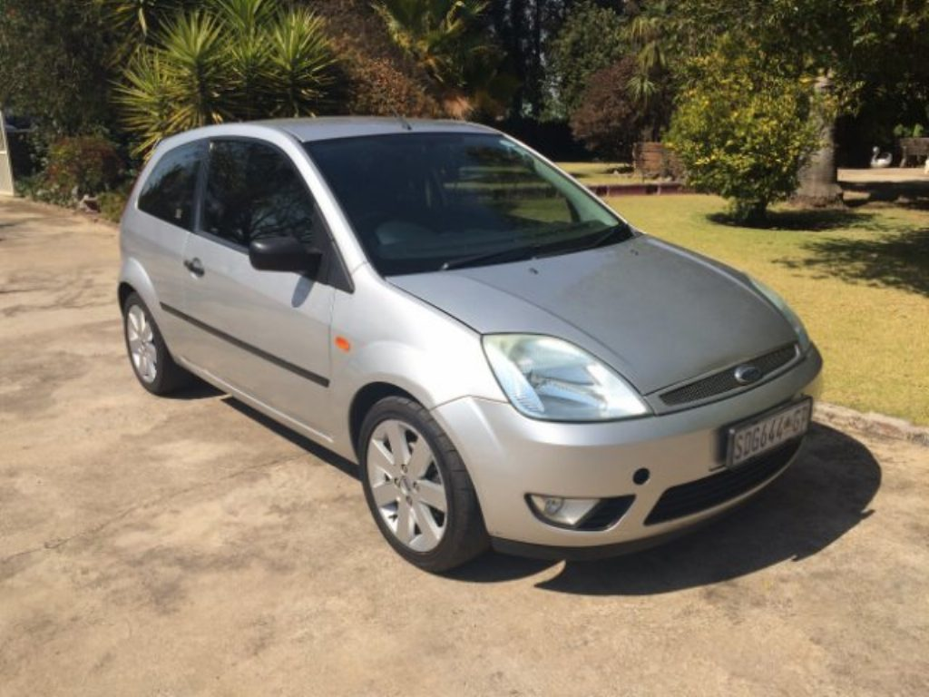 Ford Fiesta 1.6 2005 photo - 10