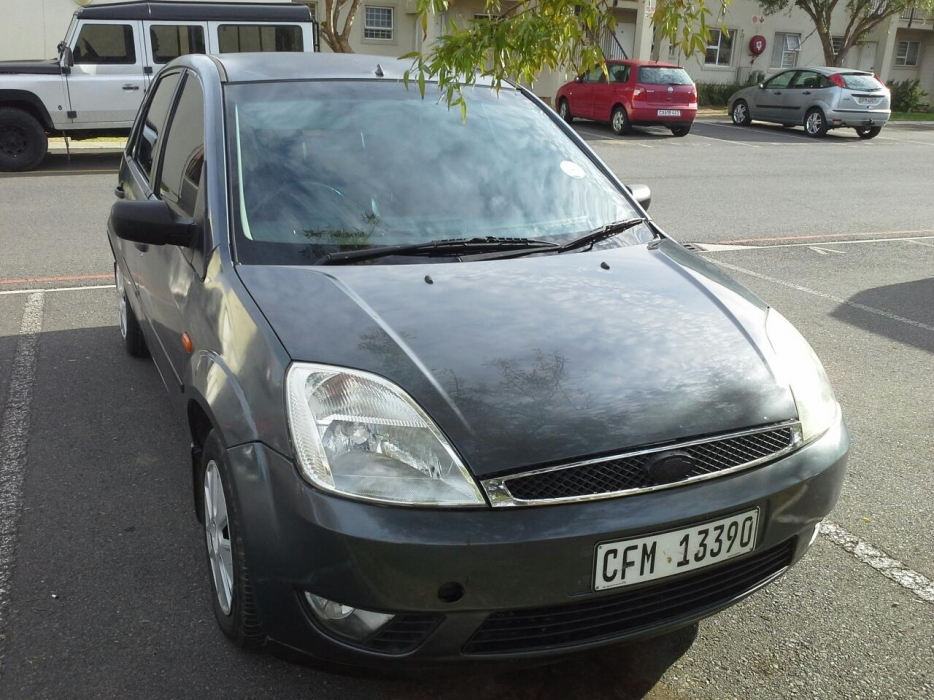 Ford Fiesta 1.6 2005 photo - 12