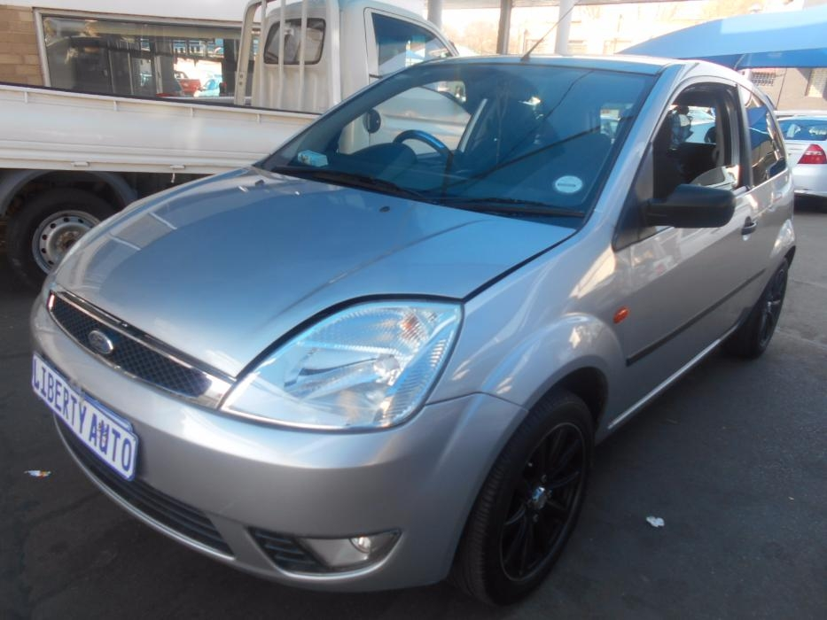 Ford Fiesta 1.6 2006 photo - 10