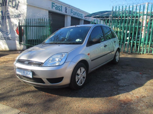 Ford Fiesta 1.6 2006 photo - 11