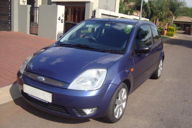 Ford Fiesta 1.6 2006 photo - 12