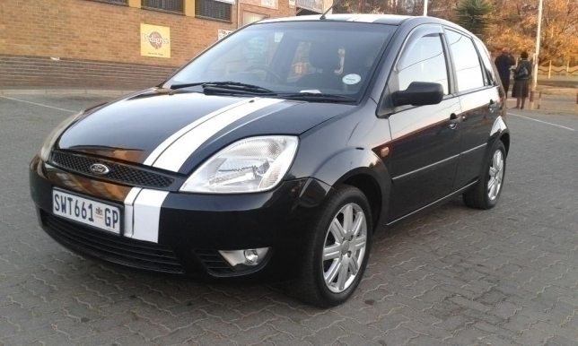 Ford Fiesta 1.6 2006 photo - 4