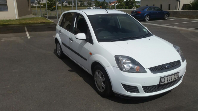 Ford Fiesta 1.6 2007 photo - 9