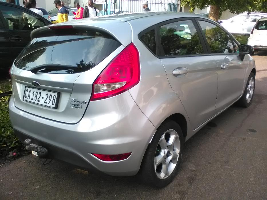 Ford Fiesta 1.6 2009 photo - 12
