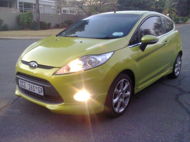 Ford Fiesta 1.6 2010 photo - 10