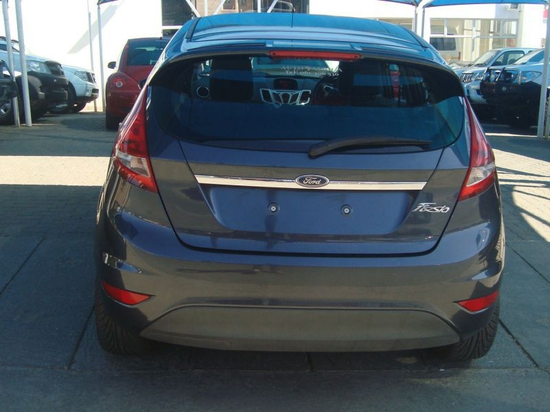 Ford Fiesta 1.6 2010 photo - 7